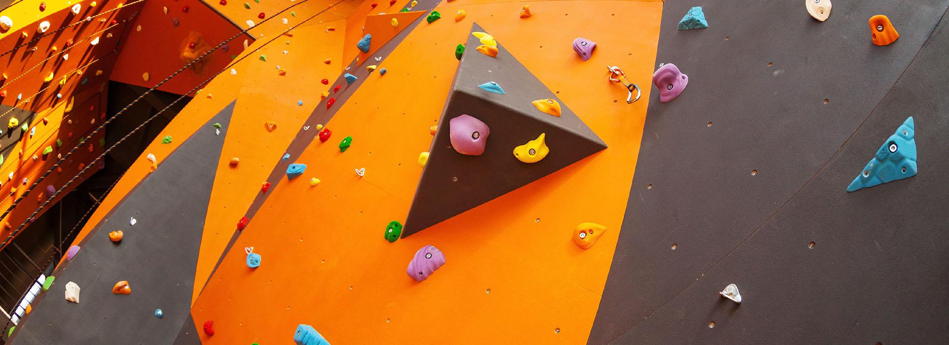 Realizzazione strutture d'arrampicata sportiva